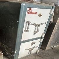 گاوصندوق تهران صنعت دو طبقه دو درب